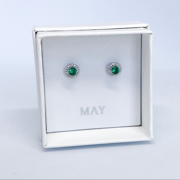 Chloe + Isabel Jewelry - 💌 Petits Bijoux Convertible Circle Studs -May